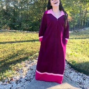 Vintage Vanity Fair long housecoat robe purple